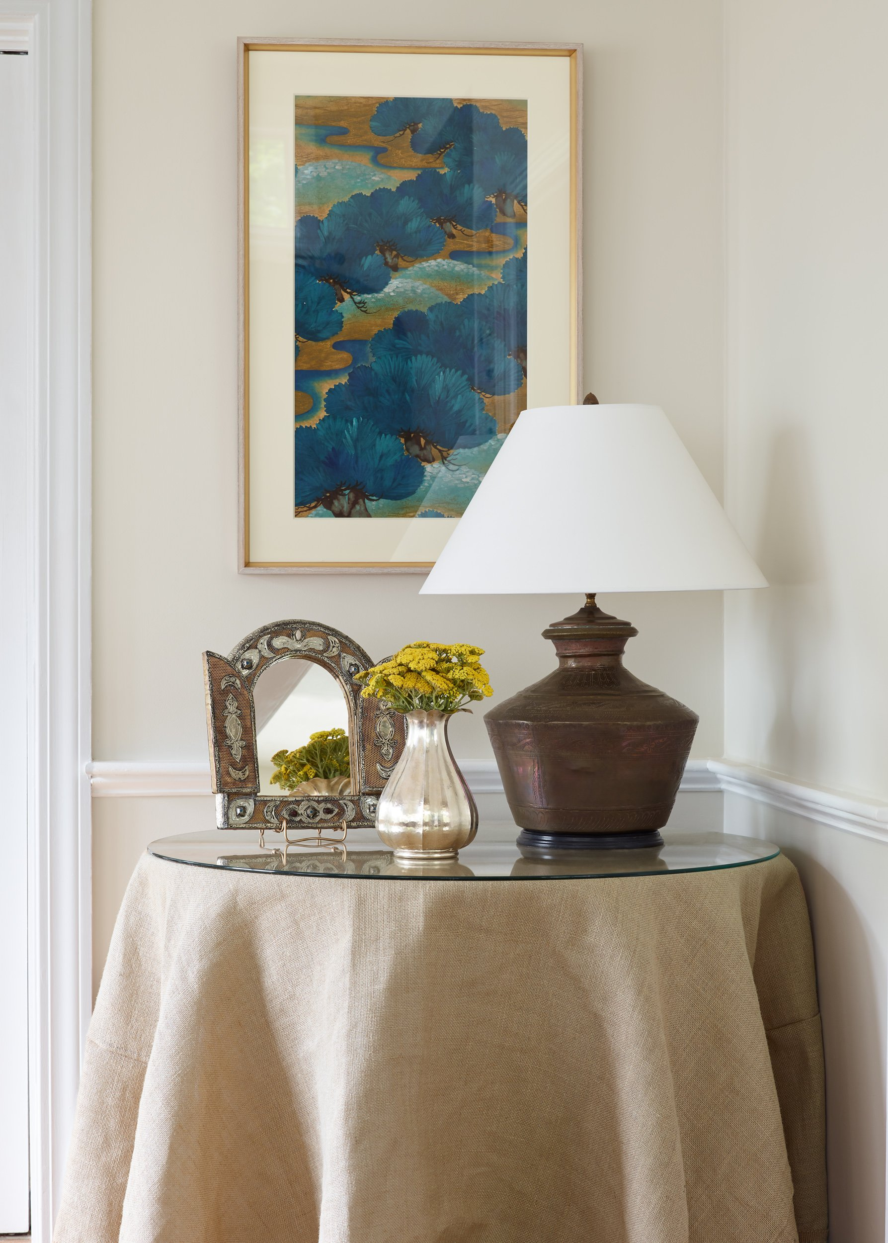 Design Tip:Should Art Match the Colors in Your Room?