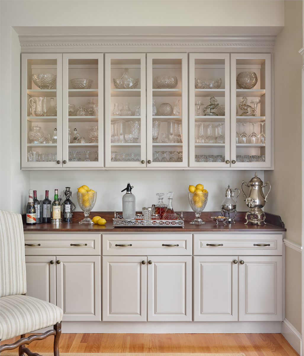 dining-room-bar-glass-cabinets-shelving-with-lighting