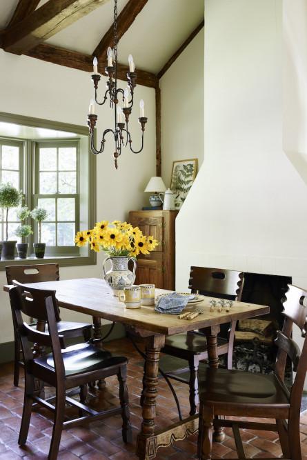 breakfast-table-interior-design-sudbury-ma