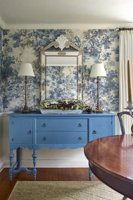 dining-room-buffet-side-table-blue-mirror-interior-design