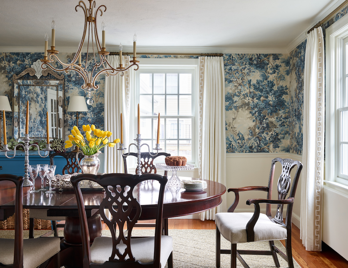 formal-dining-room-blue-floral-wallpaper