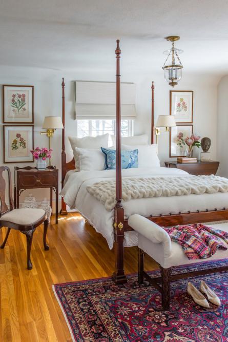 four-post-bed-wooden-floors-bedroom-design