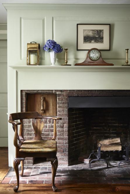 historic-farmouse-fireplace-interior-design-2