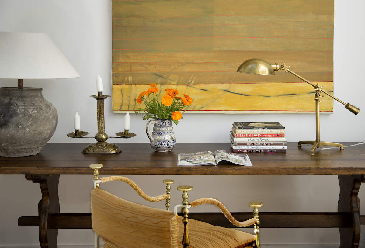 home-office-wooden-desk-gold-lamp