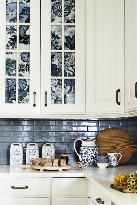 kitchen-design-blue-subway-tile-backsplash