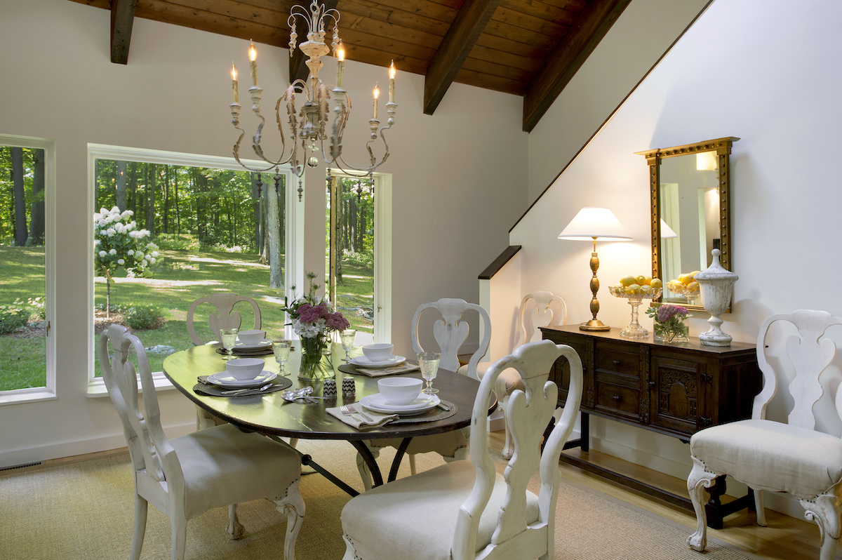 lw-interiors-dining-room-table-interior-design