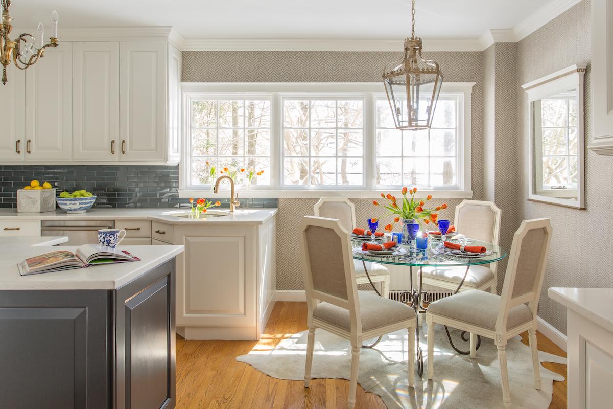 lw-interiors-kitchen-breakfast-table-interior-design