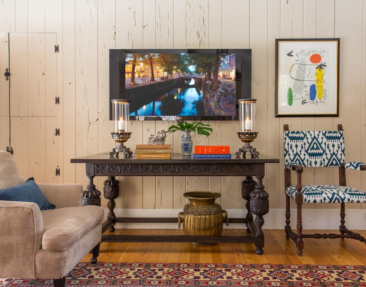 lw-interiors-newton-ma-entertainment-room-mounted-tv