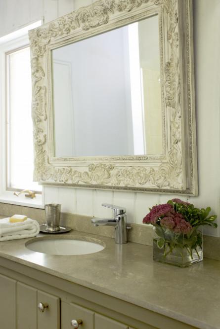 lw-interiors-powder-room-design-lenox-ma