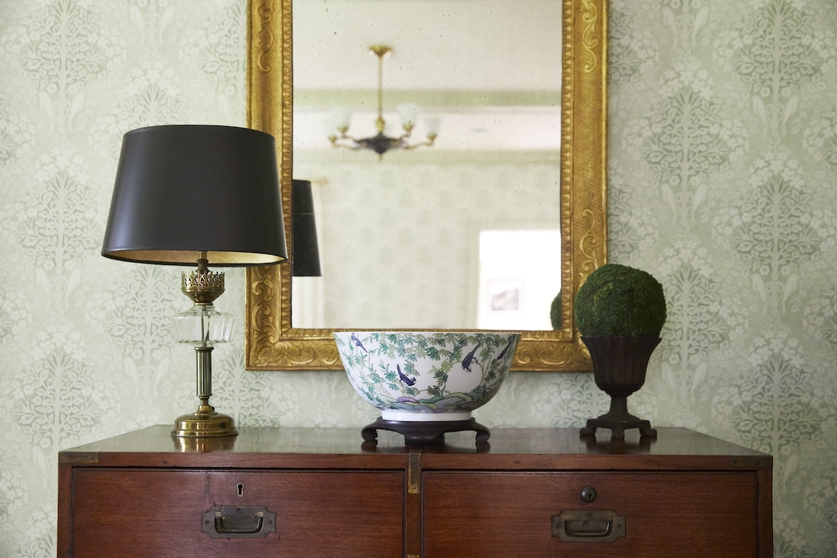 primary-bedroom-dresser-antique-vase